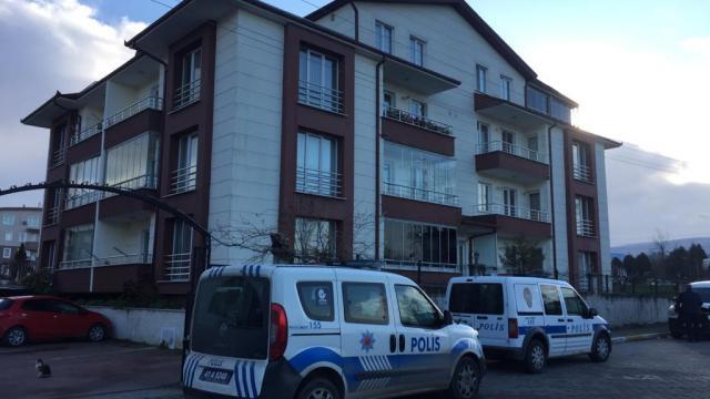 Kocaelide eşi tarafından bıçaklandığı iddia edilen kadın öldü
