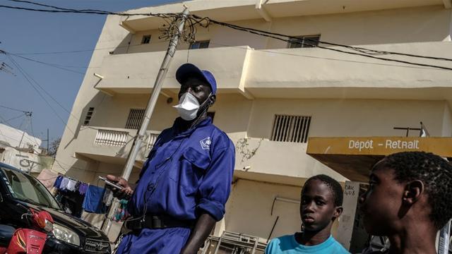Senegalde COVID-19 nedeniyle kısmi OHAL ilan edildi