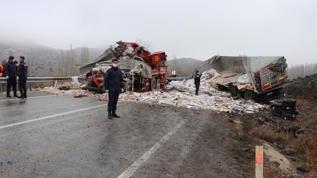 Yozgatta zincirleme trafik kazası: 3 ölü, 2 yaralı