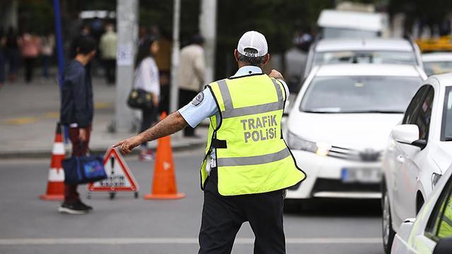 Yeni düzenlemeyle trafik cezasını araç kiralayan ödeyecek