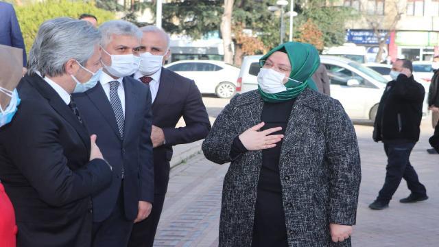 Bakan Zehra Zümrüt Selçuk Eren Bülbülün kabrini ziyaret etti