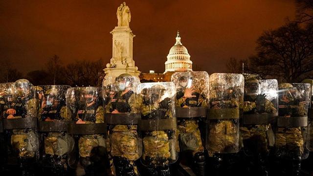 ABD ordusu Kongrenin etrafına barikat kurdu
