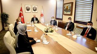 Adalet Bakanı Gül adliye personeliyle görüştü