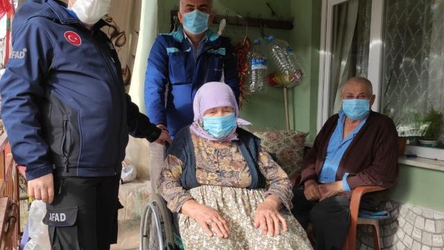 Edirnede AFAD, engelli çifte tekerlekli sandalye hediye etti