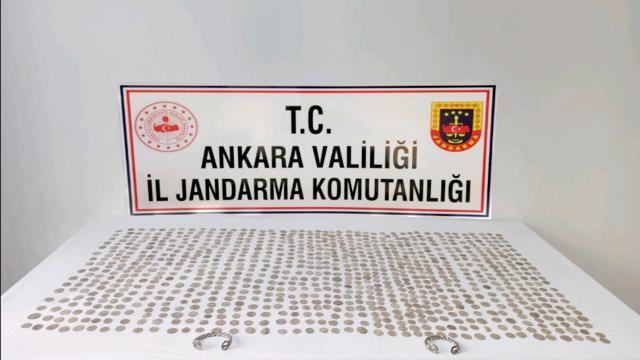 Ankarada 900 sikke ele geçirildi