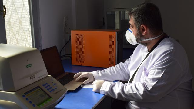 Türkiyeden Barış Pınarı Harekatı bölgesine 5 PCR test laboratuvarı