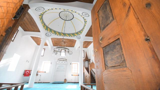 Çorumda restore edilen Osmanlı dönemine ait cami ibadete açıldı