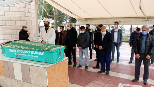 Denizlide öldürülen üniversite öğrencisi genç kızın cenazesi Manisada toprağa verildi