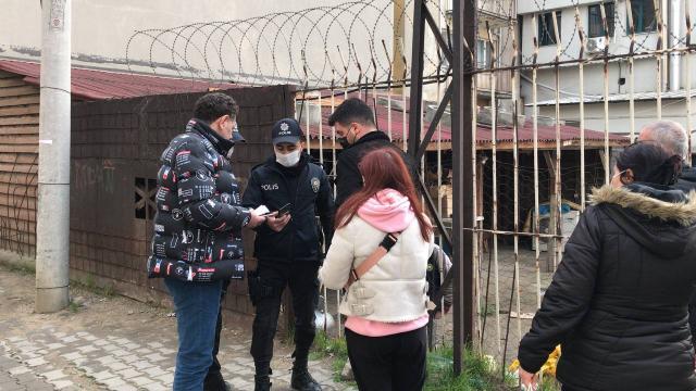 Antalyada bir kadının cep telefonu gasbedildi