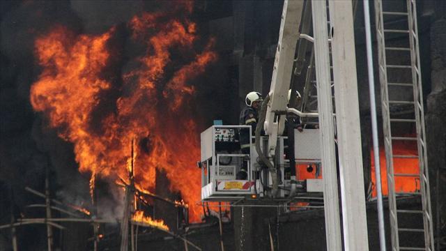 Hindistanda hastanede yangın: 10 bebek yaşamını yitirdi