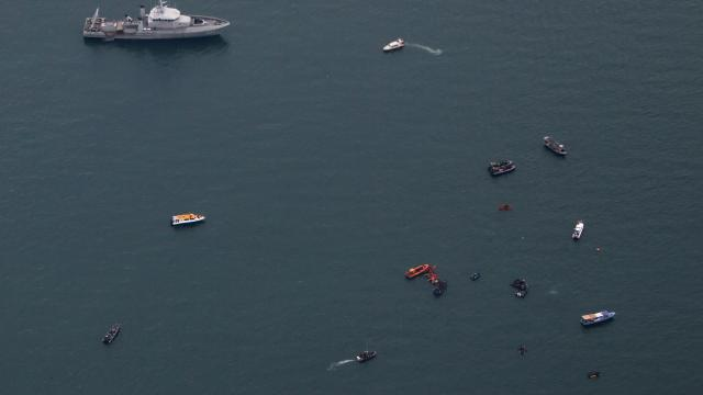 Endonezyada düşen uçağın kara kutusunun yeri belirlendi