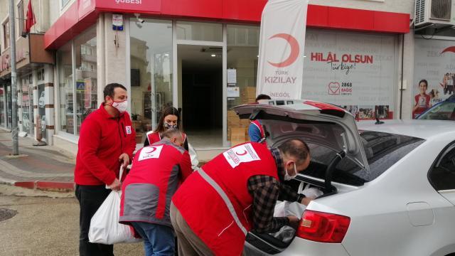 Türk Kızılayın İnegöldeki faaliyetlerine gönüllülerden büyük destek