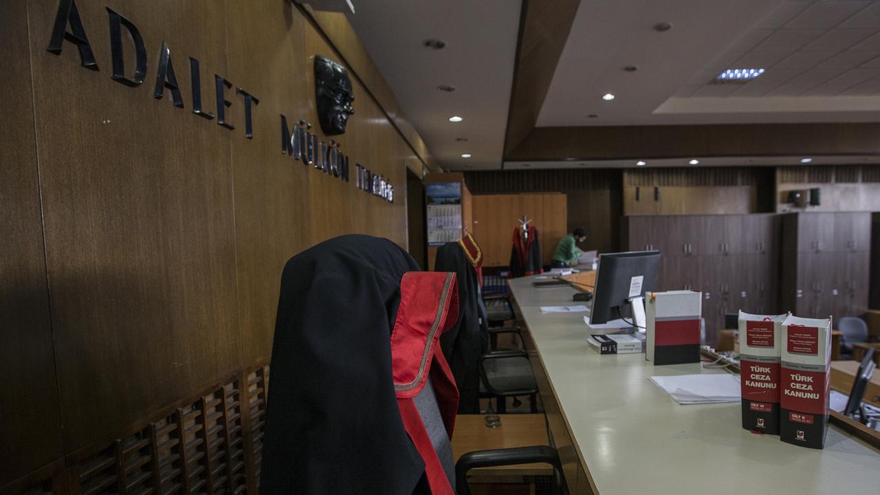 Fuat Avni kullanıcısına FETÖ davasında müebbet
