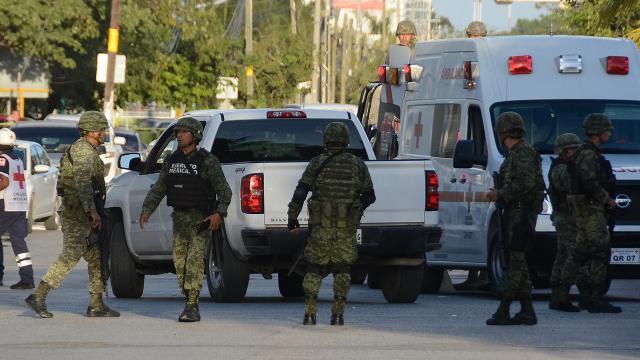 Meksikada çeteler ile ordu mensupları çatıştı: 13 ölü