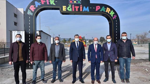Vali Erdinç Yılmaz yapımı süren trafik eğitim parkını inceledi