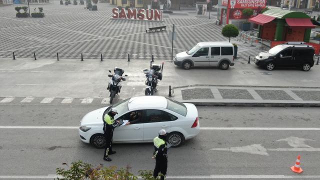 Samsunda polis kısıtlama denetimlerini drone ile görüntüledi