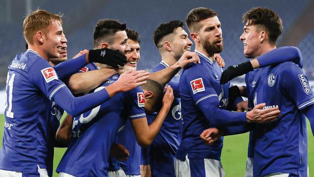 Schalke 04 30 maç sonra kazandı
