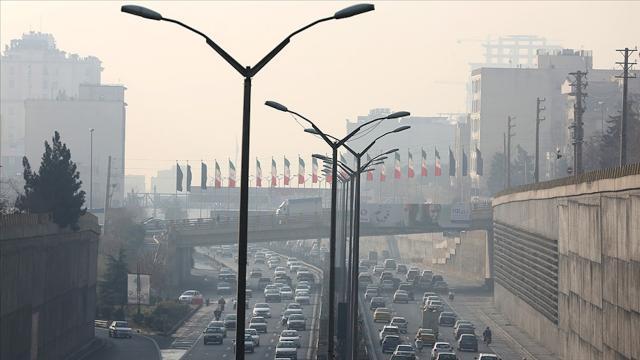 Tahranda hava kirliliği riskli seviyede