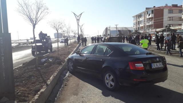 Karlıovada trafik kazası: 2 yaralı