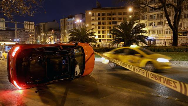 Fatihte trafik kazası: 1 yaralı