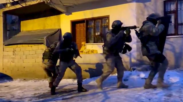 Van merkezli 3 ilde terör operasyonu: 13 gözaltı