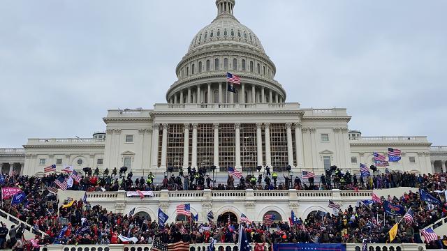 ABDdeki Kongre baskınıyla ilgili en az 25 iç terörizm soruşturması açıldı