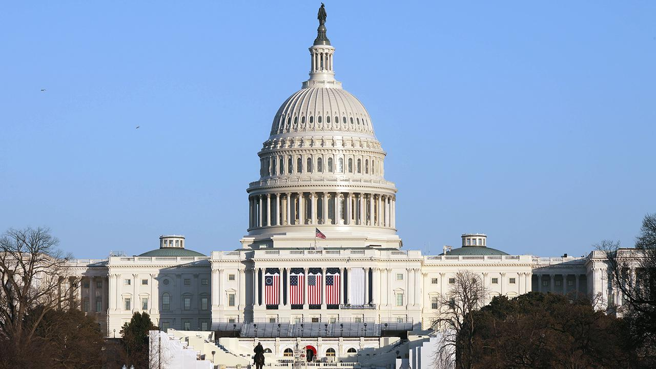 ABD Kongre binasına giriş çıkışlar durduruldu