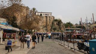 Turizmin başkenti Antalya'da 90 ülkeden insan yaşıyor