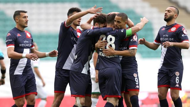 Antalyaspor 3 golle turladı