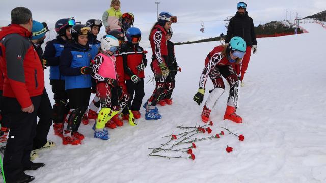 Milli kayakçı Aslı Nemutlu Palandöken Kayak Merkezinde anıldı