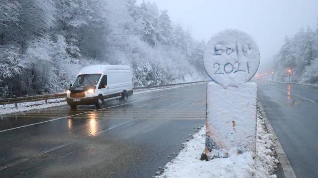 Bolu Dağında kar yağışı: Sürücüler uyarıldı