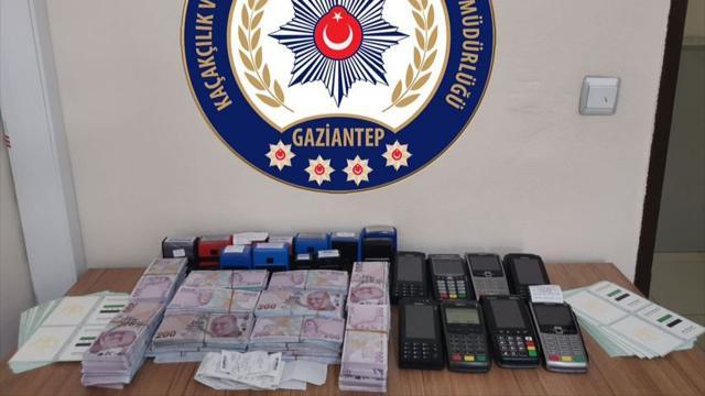 Gaziantepte bir matbaada sahte 918 bin lira ele geçirildi