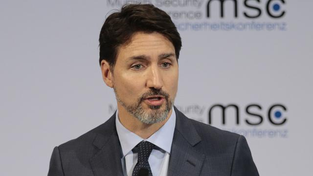 """Kanada Başbakanı: """"Ülkenin dört bir yanındaki Müslümanlar, yanınızda olduğumuzu bilin"""""""
