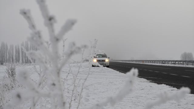 Gece en düşük sıcaklık eksi 13 dereceyle Karsta ölçüldü