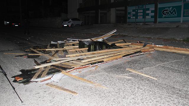 Konyada şiddetli rüzgar ve lodos hasara yol açtı