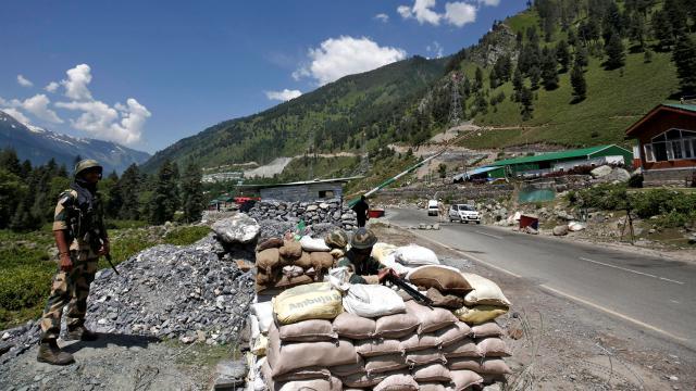 Ladakhta yakalanan Çin askeri, ülkesine gönderildi