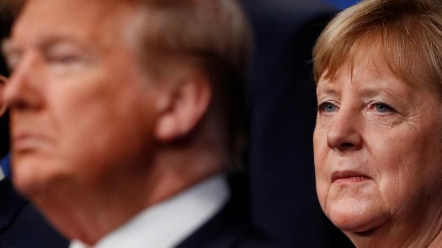 Merkel, Trumpın sosyal medya hesaplarının askıya alınmasını eleştirdi