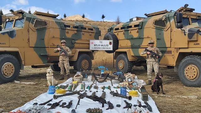 Bitliste teröristlere ait mühimmat ve yaşam malzemesi bulundu