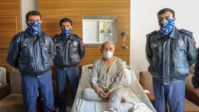 Hayatını kurtardıkları hastayı ziyarete gittiler