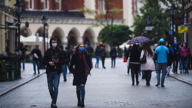 Polonyada salgın tedbirleri 31 Ocaka kadar uzatıldı