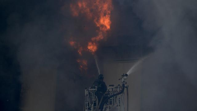 Rusyada bir binada yangın çıktı: 8 kişi ölü