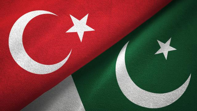 Pakistan ve Türkiye, askeri iş birliğini artırmada mutabık kaldı