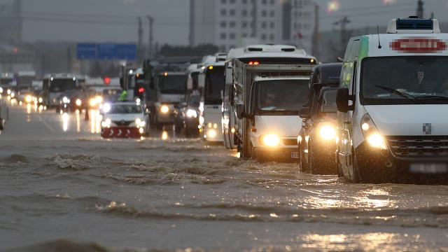 Yağış yurt genelinde etkisini artırdı