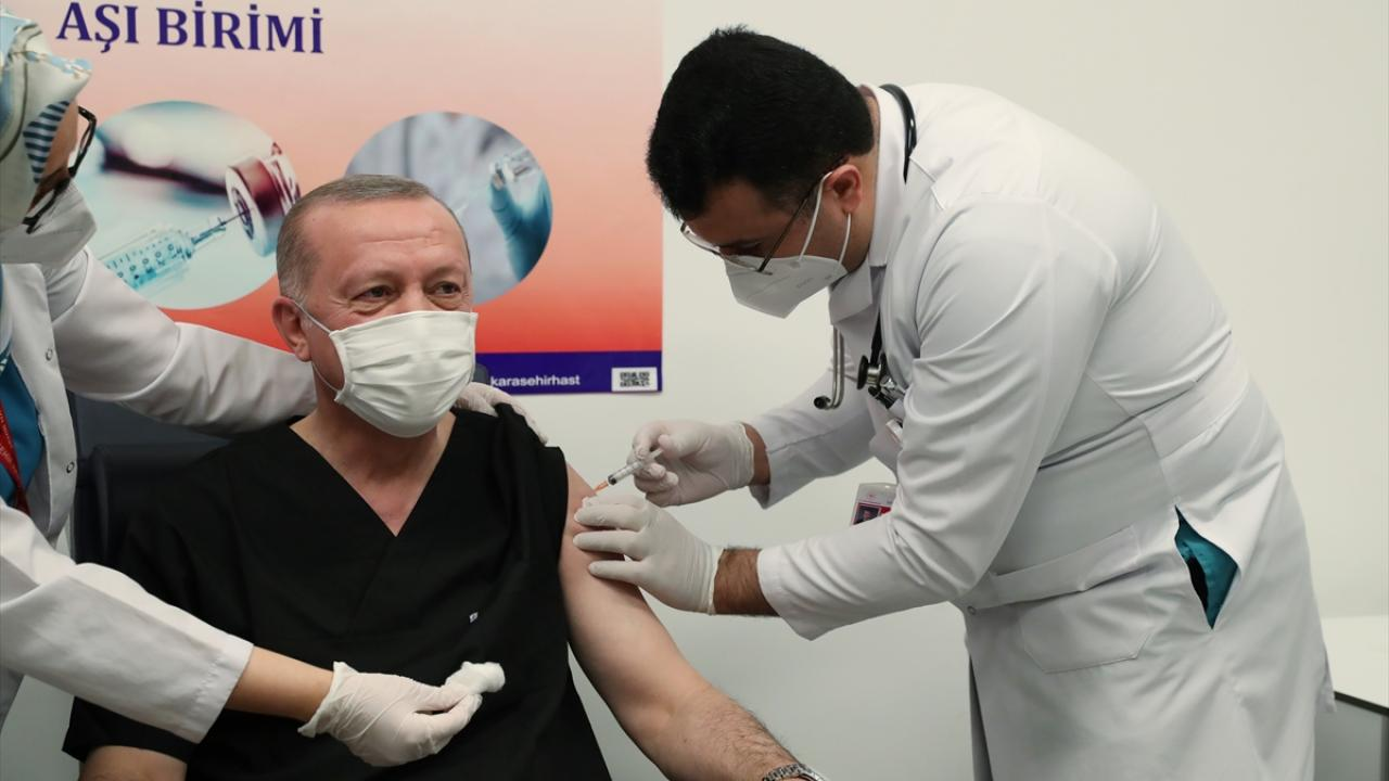 Cumhurbaşkanı Erdoğan aşı oldu | TRT Haber Foto Galeri