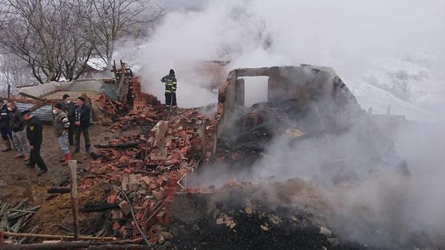 Amasyada ahır yangını: 7 hayvan telef oldu