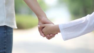 8 bin çocuk koruyucu aile yanında büyüyor