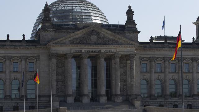 Almanyada aşırı sağcı AfD partisi istihbarat tarafından izlenecek