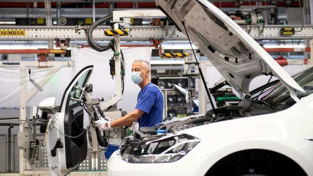 Almanyada sanayi üretimi 2020de yüzde 10,8 azaldı