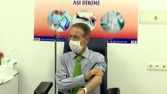 Bilim Kurulu üyeleri koronavirüs aşısı oldu