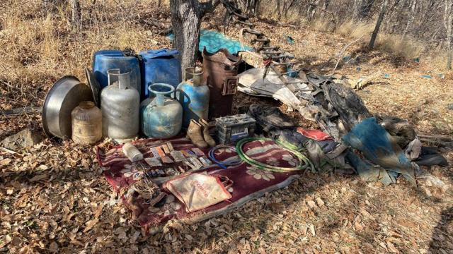 Bitliste PKKlı teröristlere ait mühimmat ve yaşam malzemesi ele geçirildi